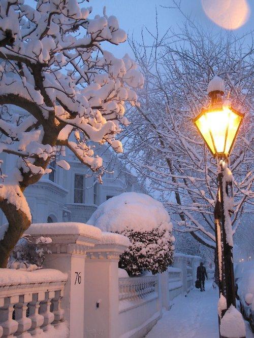 Snowy Night, London