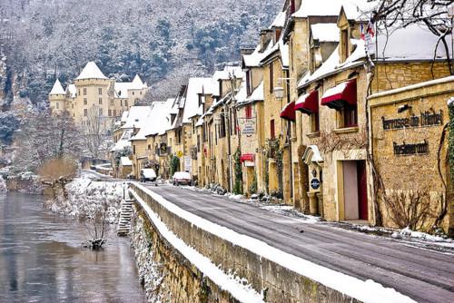 Mountain Snow, Aquitaine, France