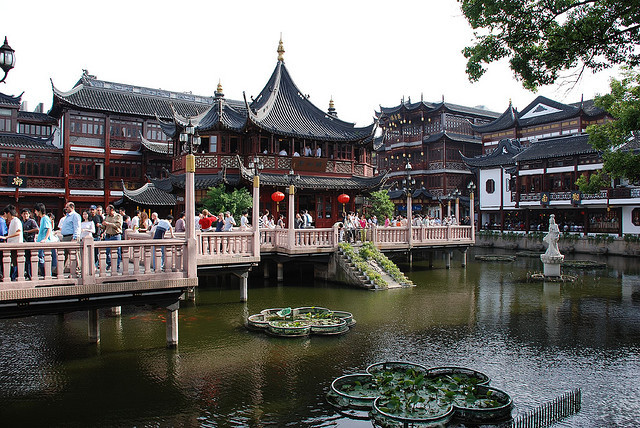 by Richard Clowes on Flickr.Tea houses at Yuyuan Gardens - Shanghai, China.