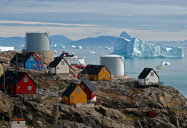by _Zinni_ on Flickr.The town of Uummannaq in north-west Greenland.