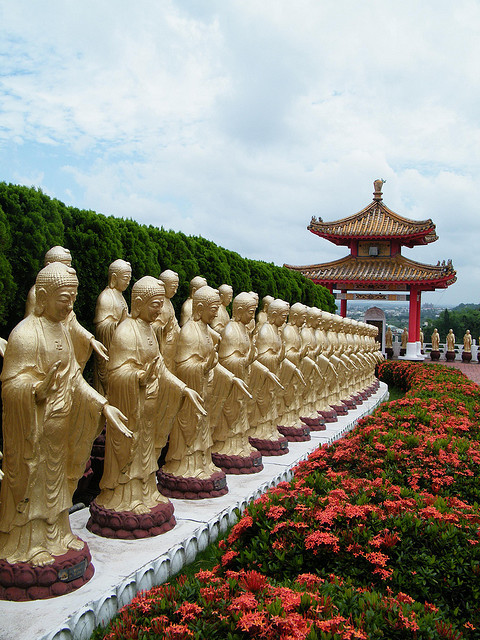 by lgloudeman on Flickr.Great Buddha Land, Fo Guang Shan temple in Gaoxiong, Taiwan.