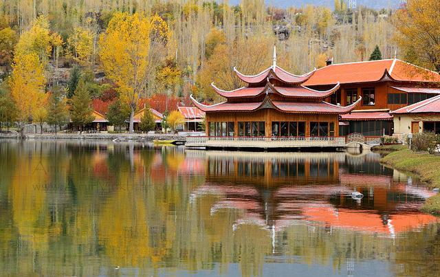 by Amir Mukhtar Mughal on Flickr.Shangri-La Hotel in Skardu Valley, Pakistan.