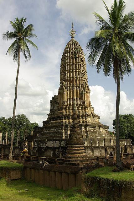 Wat Phra Si Rattana Mahathat in Si Satchanalai Historical Park, Thailand