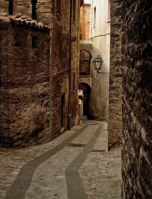 Narrow Passage, Todi, Italy