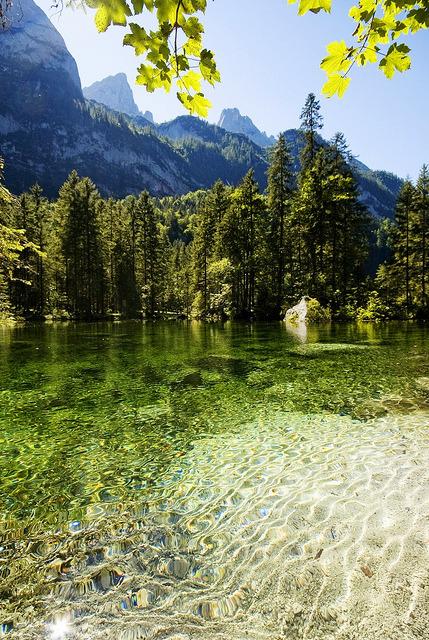 The idyllic Gosau Lake in Salzkammergut, Austria