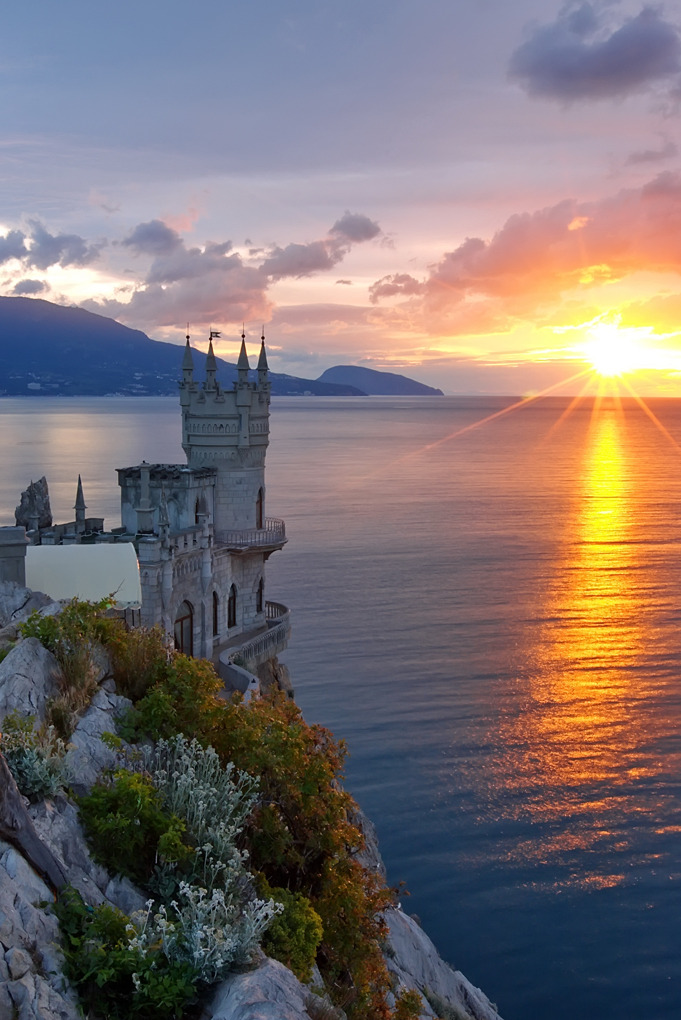 Places I want to see: The Swallow's Nest Castle in Crimea, Ukraine