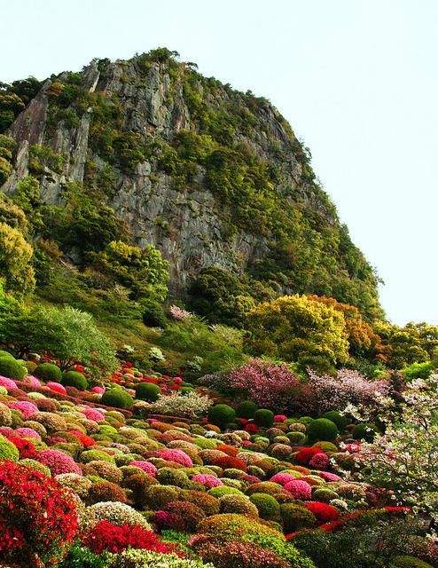 Mifuneyama Gardens in Takeo / Japan